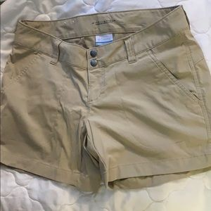 Nwot size 8 Columbia shorts, women's